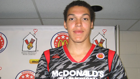 Aaron Gordon of San Jose Mitty led his West team to victory at the 2013 McDonald's All-American Game. He is California's first game MVP at the event since La Costa Canyon's Chase Budinger in 2006 and the fifth overall.