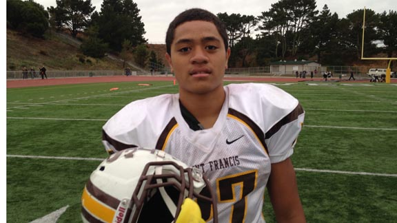 In the long history of Saint Francis football in Mountain View, no one had rushed for 333 yards in one game before Lutoviko Ahoia did it last Friday in Daly City. Photo: Harold Abend.